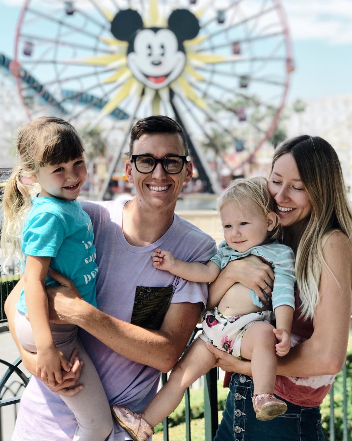 @TOPHOGRAPHY AND CUTEST FAM EVER PLAYING AT DISNEY WEARING A HAND DYED BATIK POCKET TEE