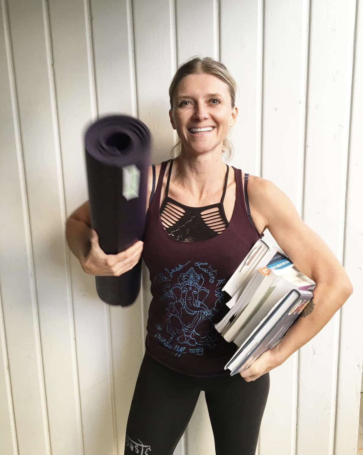 OUR FAVORITE ANATOMY NERD @MYDHARMA_YOGA IN NAMASTE LEGGINGS AND TALK LESS TANK