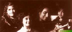 Aldoush& The Kid Singers