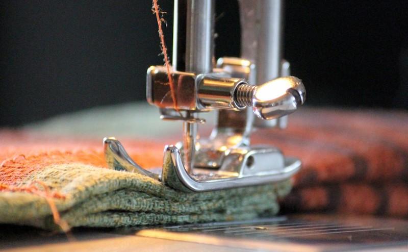 sewing_machine_foot_yarn_sew_thread_coiled_sewing_thread_haberdashery-628430.jpg!d.jpeg
