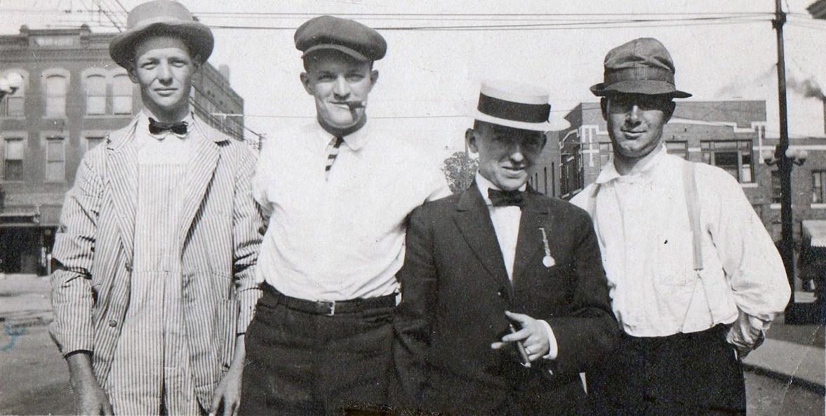 Irish_immigrants_1909.jpg