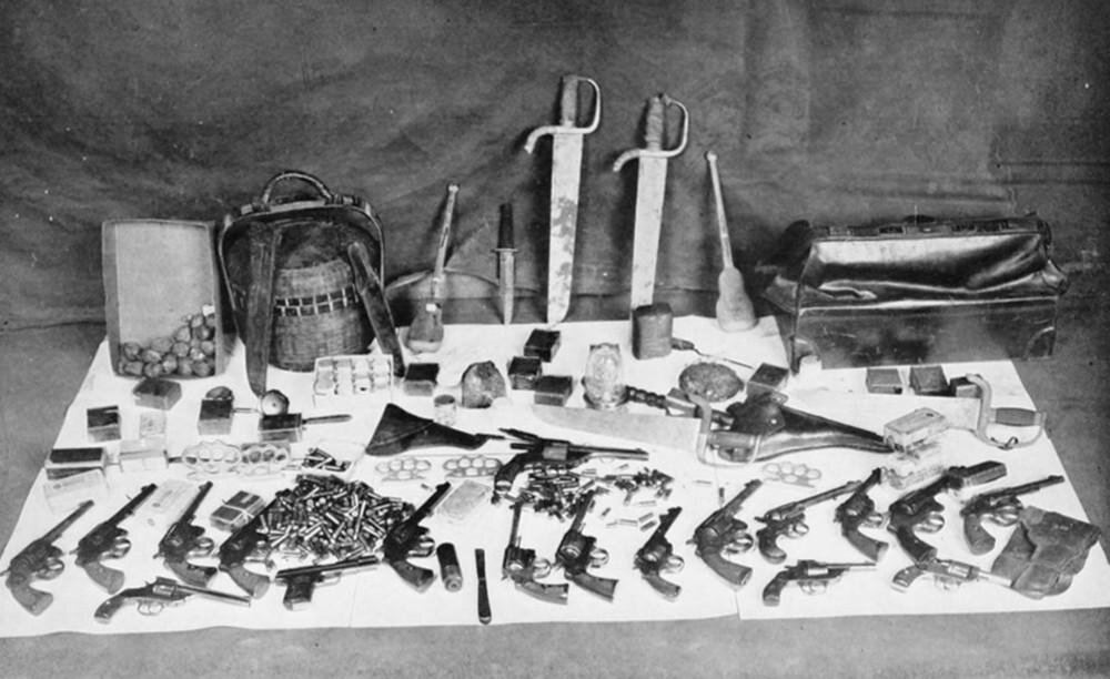 Alleged weapons of tong members by the NYPD. 1922.