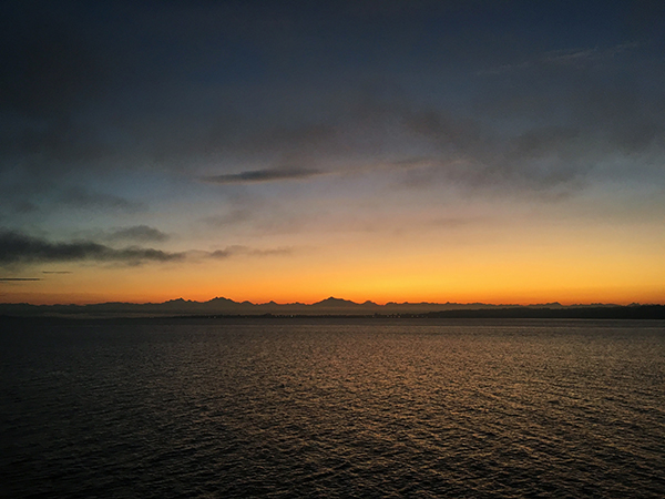 On my return trip, I left Whidbey Island at dawn, and was treated to a nice, slow sunrise as I crossed the sound.