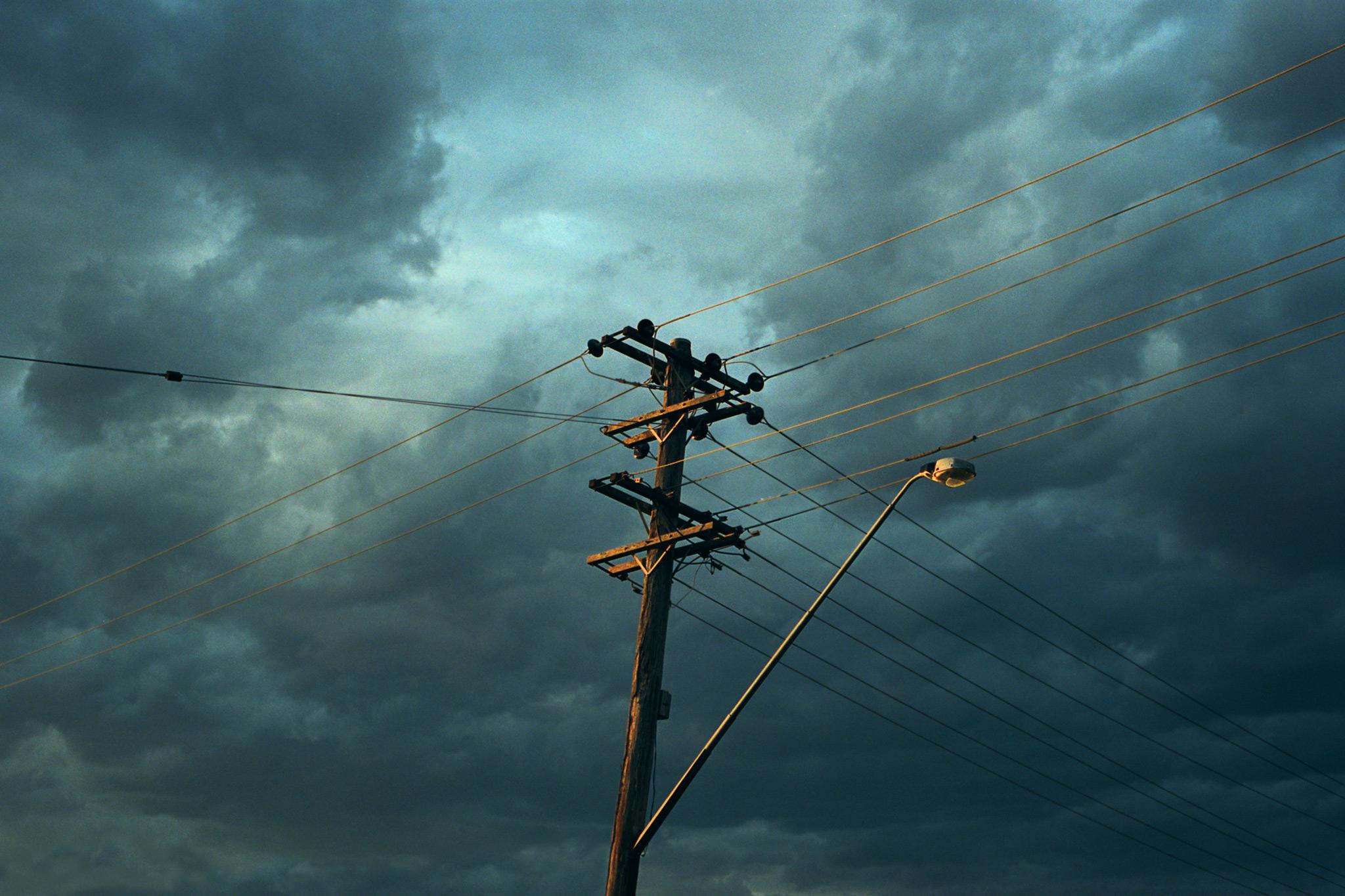 171113-Wires-Centre-web.jpg