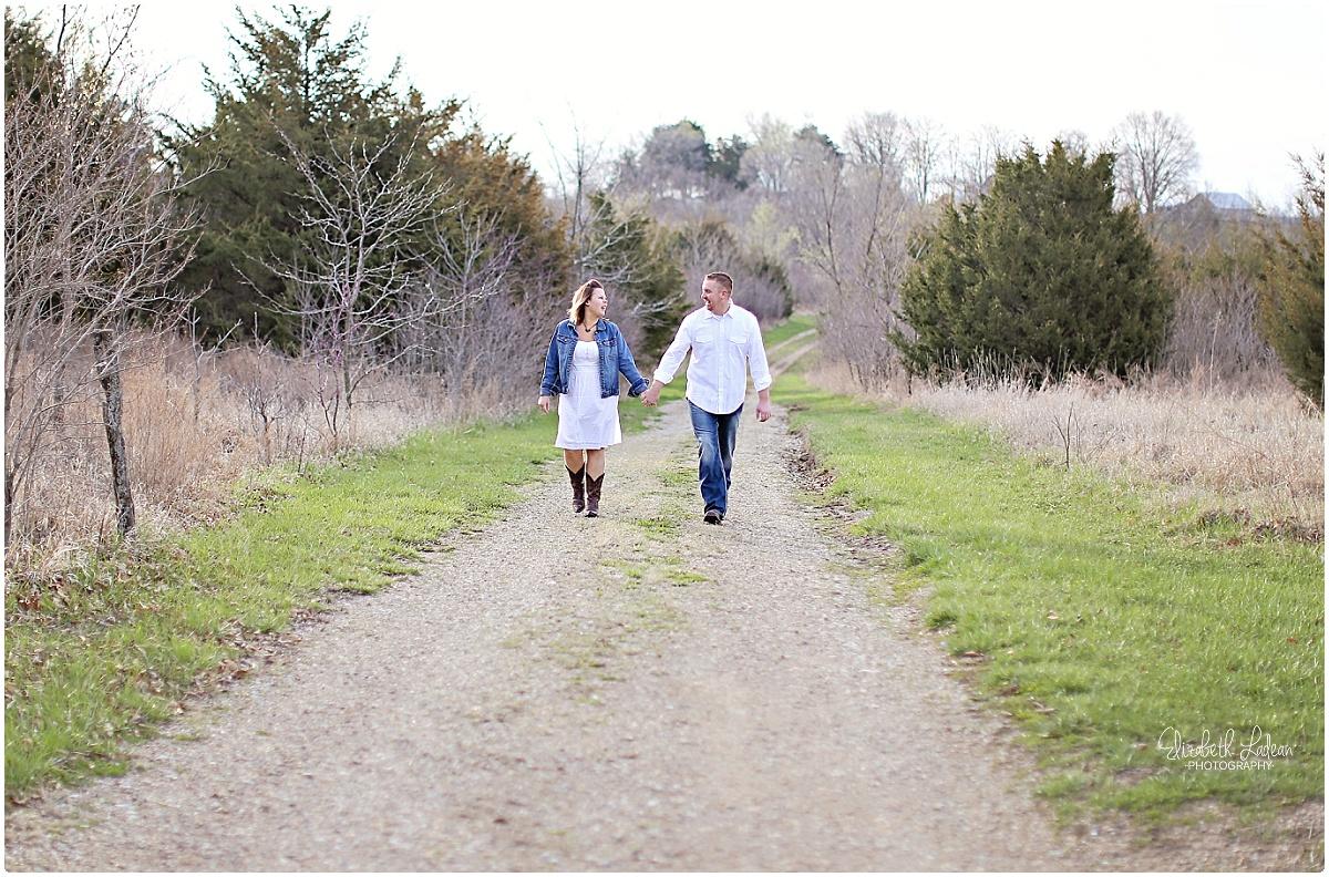 Kansas City Photographer-Elizabeth Ladean-Best-Of-Engagement_2015_3351.jpg