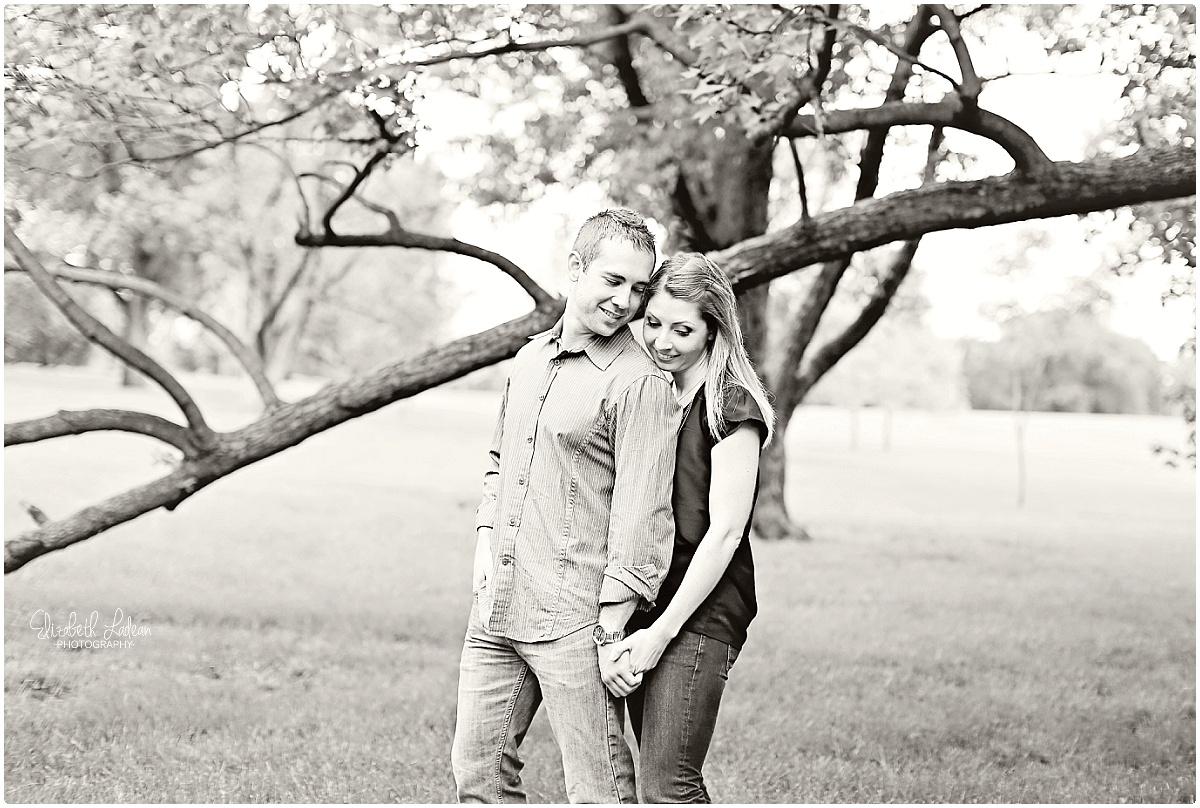 Kansas City Photographer-Elizabeth Ladean-Best-Of-Engagement_2015_3358.jpg