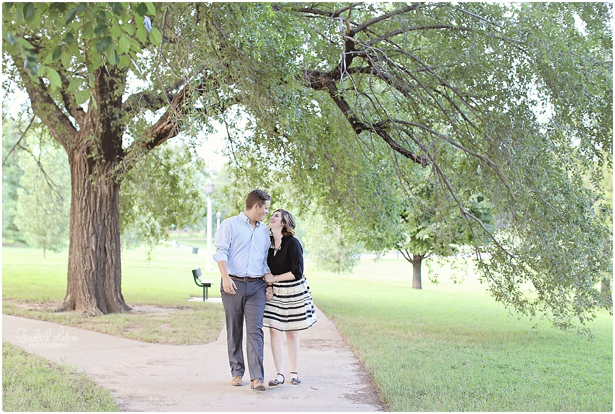 Kansas City Photographer-Elizabeth Ladean-Best-Of-Engagement_2015_3368.jpg