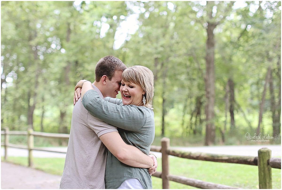 Kansas City Photographer-Elizabeth Ladean-Best-Of-Engagement_2015_3375.jpg