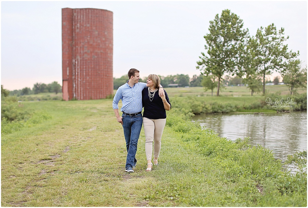 Kansas City Photographer-Elizabeth Ladean-Best-Of-Engagement_2015_3378.jpg