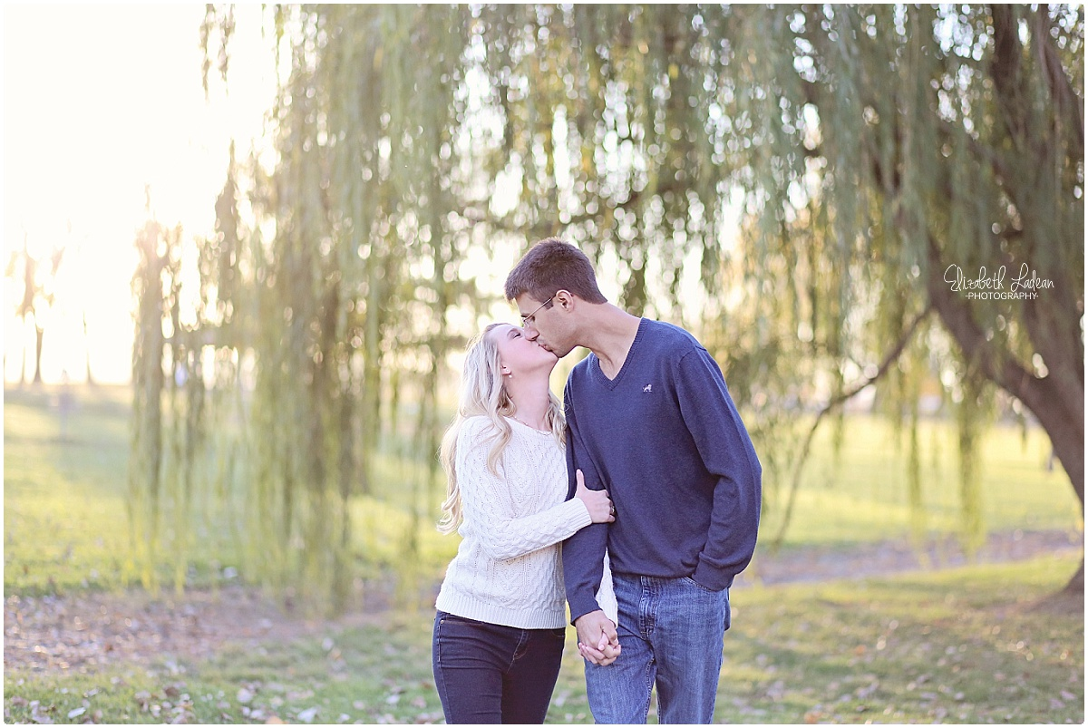 Kansas City Photographer-Elizabeth Ladean-Best-Of-Engagement_2015_3395.jpg