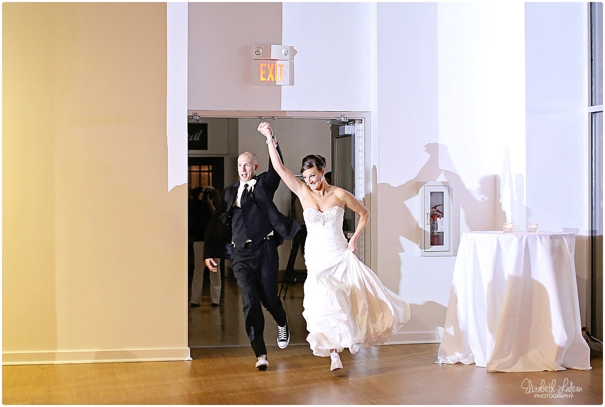 Kansas City Photographer-Elizabeth Ladean-Best-Of-Weddings_2015_3515.jpg