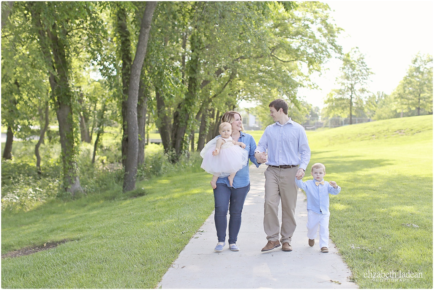 Sar-Ko-Park-Family-Photos-Kansas-HFam-ElizabethLadeanPhotography-photo_6207.jpg