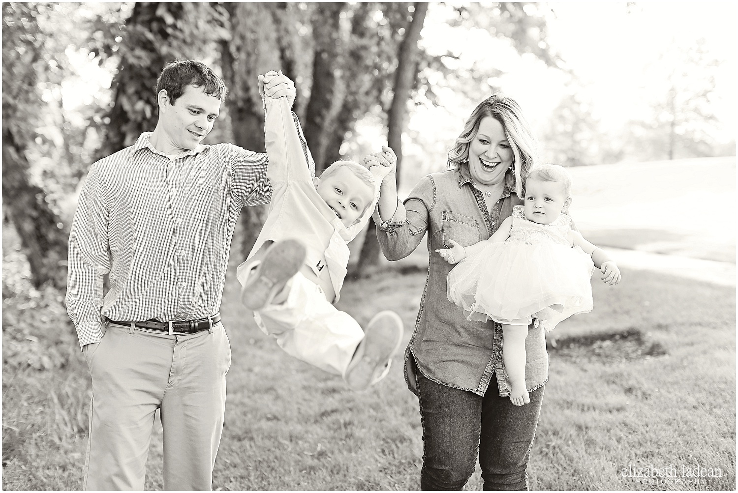Sar-Ko-Park-Family-Photos-Kansas-HFam-ElizabethLadeanPhotography-photo_6211.jpg