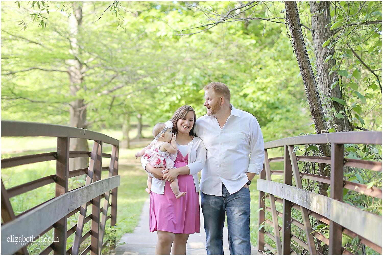 Antioch-Park-Family-Photos-Kansas-NFam-ElizabethLadeanPhotography-photo_6179.jpg