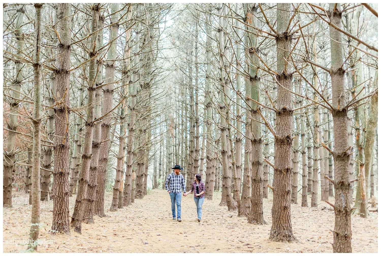 Burr-Oak-Woods-Engagement-Photos-K+T2017-Kansas-City-Elizabeth-Ladean-Photography-photo-_5036.jpg