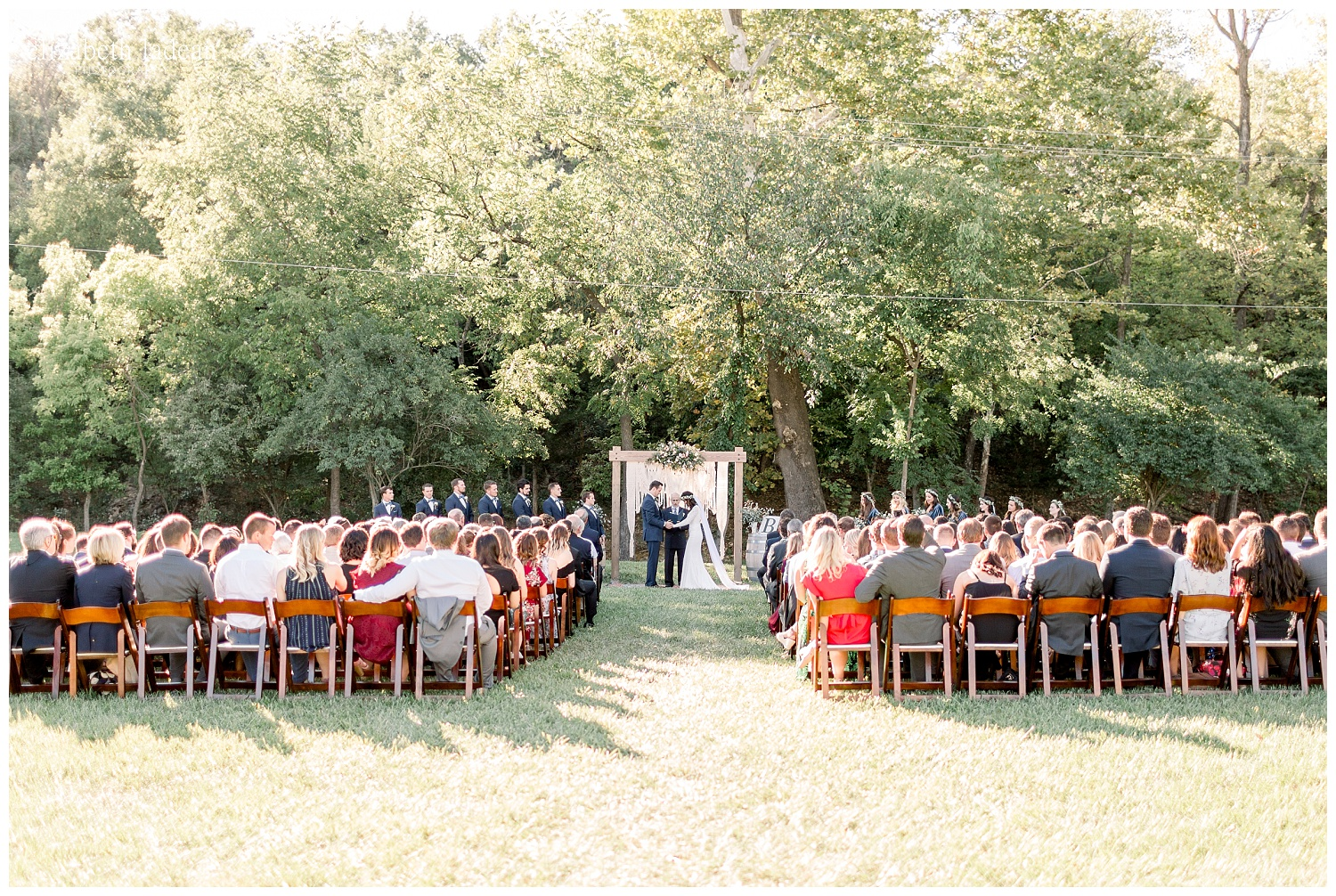 Willow-Creek-Blush-and-Blues-Outdoor-Wedding-Photography-S+Z2018-elizabeth-ladean-photography-photo_0570.jpg