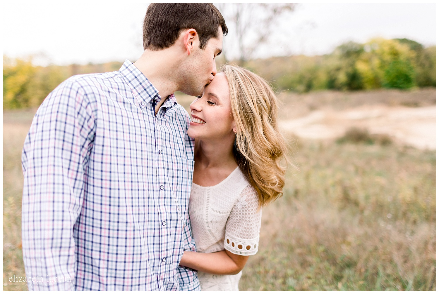Colorful-Fall-Engagement-Photos-in-KC-C+B-2018-elizabeth-ladean-photography-photo_1786.jpg