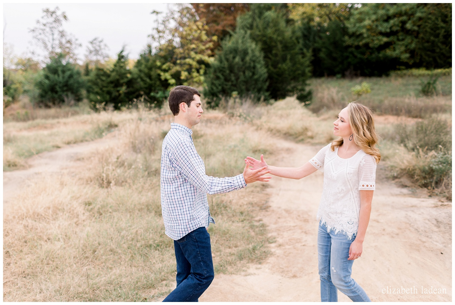 Colorful-Fall-Engagement-Photos-in-KC-C+B-2018-elizabeth-ladean-photography-photo_1788.jpg