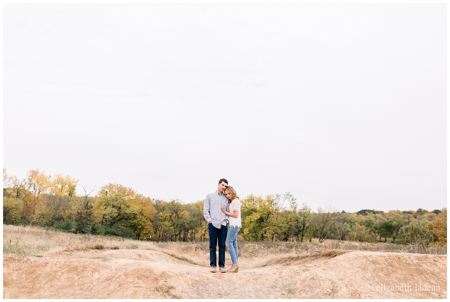 Colorful-Fall-Engagement-Photos-in-KC-C+B-2018-elizabeth-ladean-photography-photo_1791.jpg