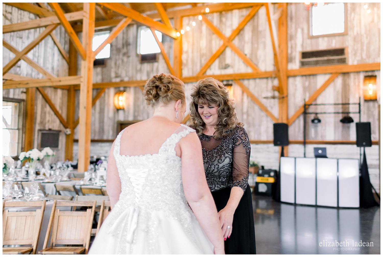 Weston-Timber-Barn-Wedding-Photography-L+A-elizabeth-ladean0photo_1847.jpg