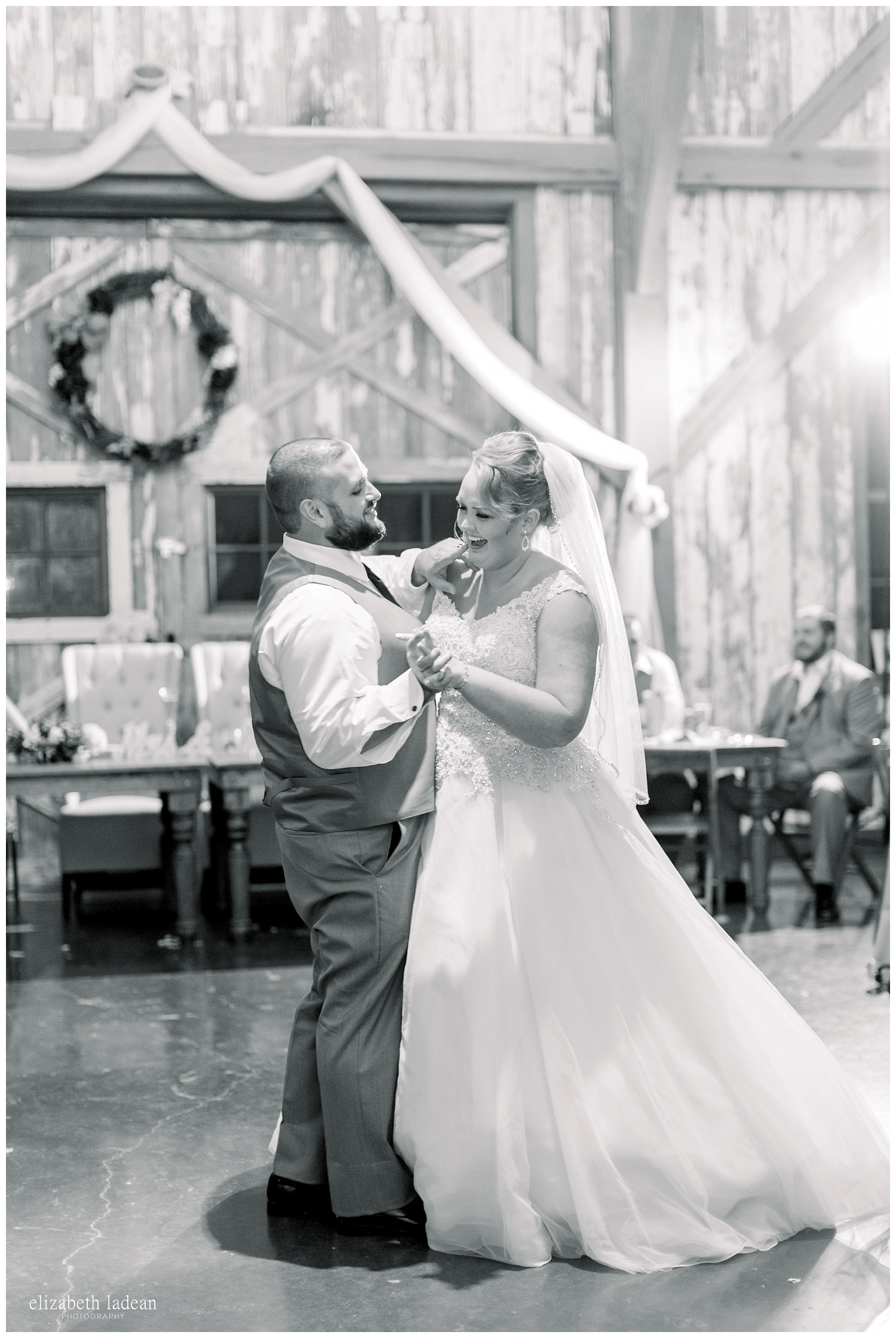 Weston-Timber-Barn-Wedding-Photography-L+A-elizabeth-ladean0photo_1912.jpg