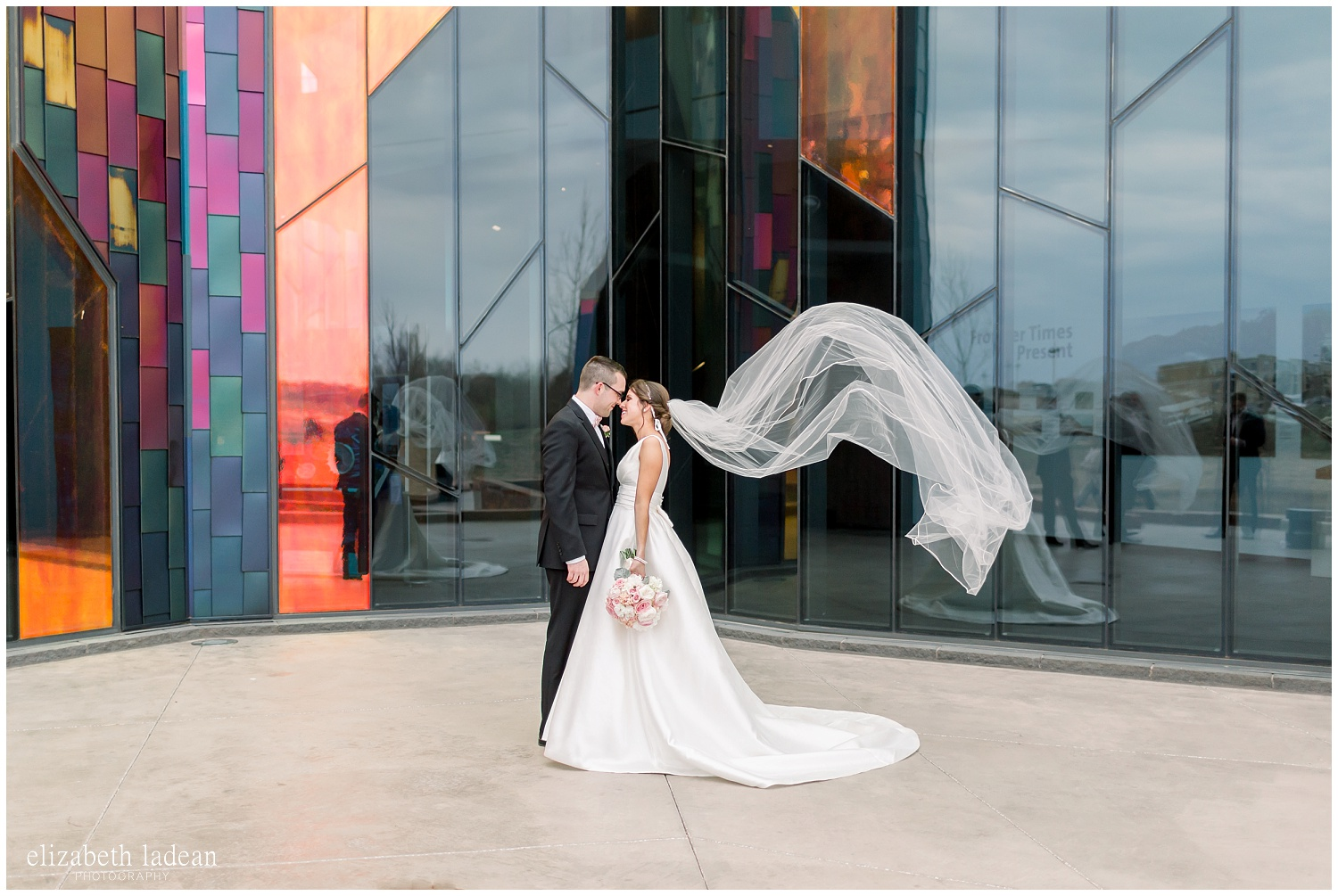 -behind-the-scenes-of-a-wedding-photographer-2018-elizabeth-ladean-photography-photo_3423.jpg