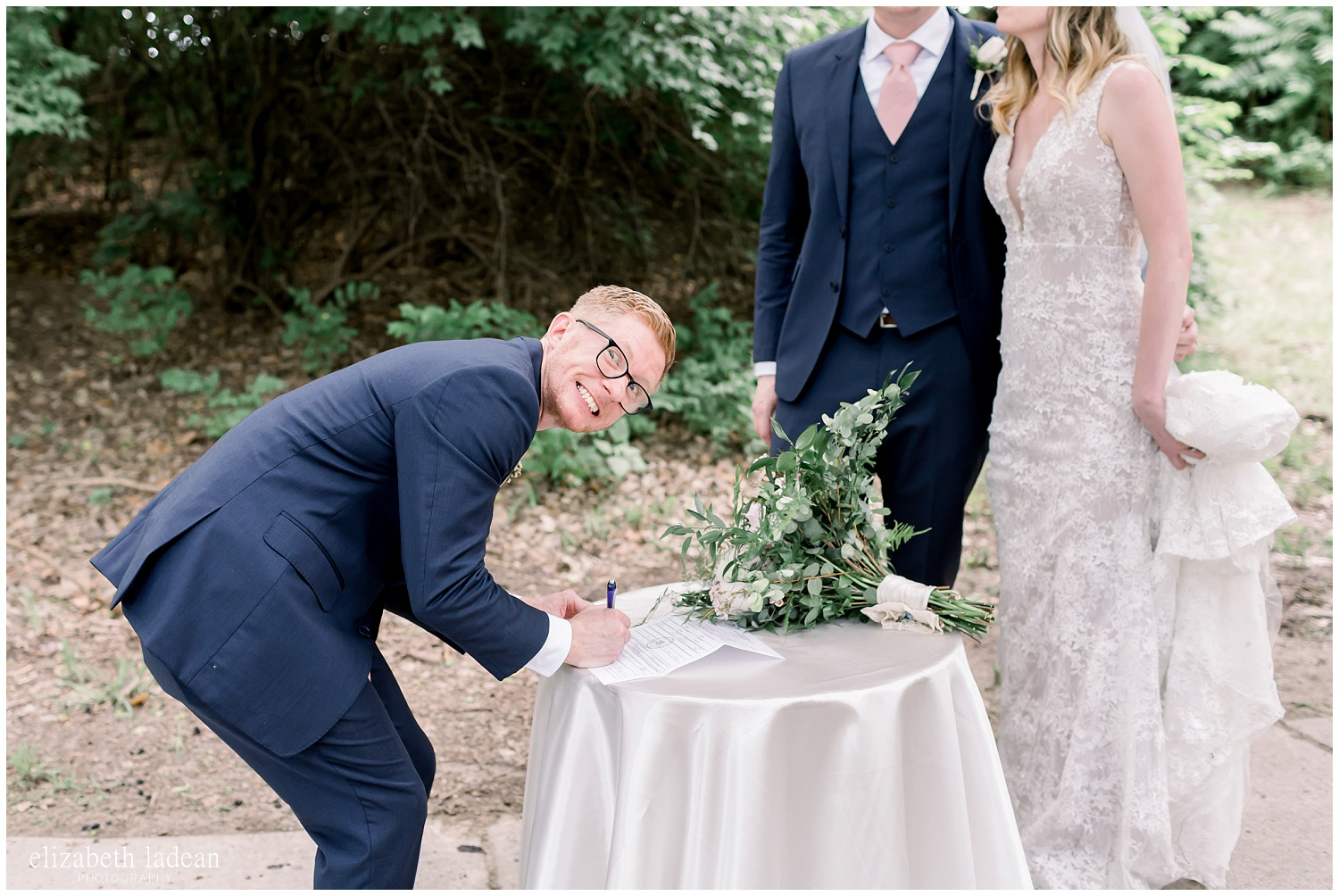 -behind-the-scenes-of-a-wedding-photographer-2018-elizabeth-ladean-photography-photo_3443.jpg