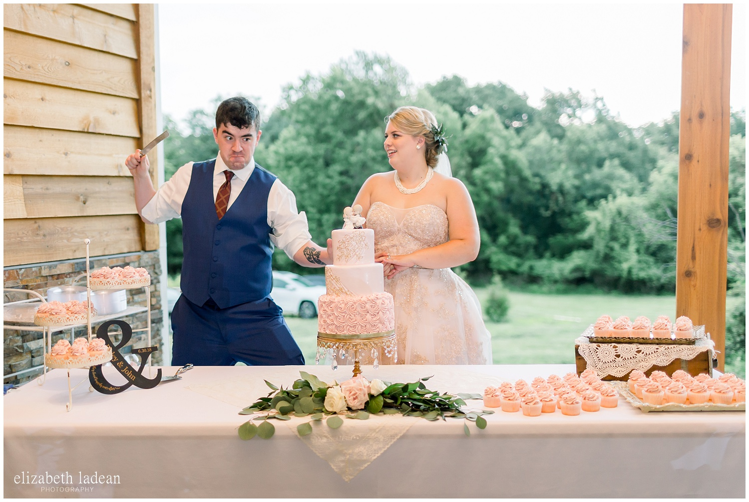 -behind-the-scenes-of-a-wedding-photographer-2018-elizabeth-ladean-photography-photo_3482.jpg