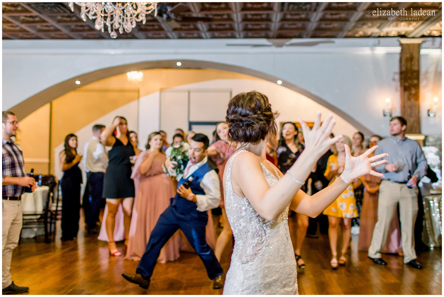-behind-the-scenes-of-a-wedding-photographer-2018-elizabeth-ladean-photography-photo_3509.jpg