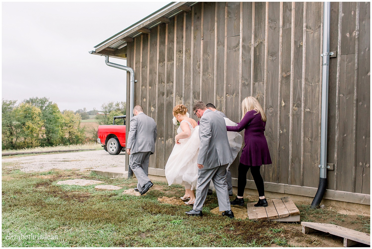 -behind-the-scenes-of-a-wedding-photographer-2018-elizabeth-ladean-photography-photo_3583.jpg