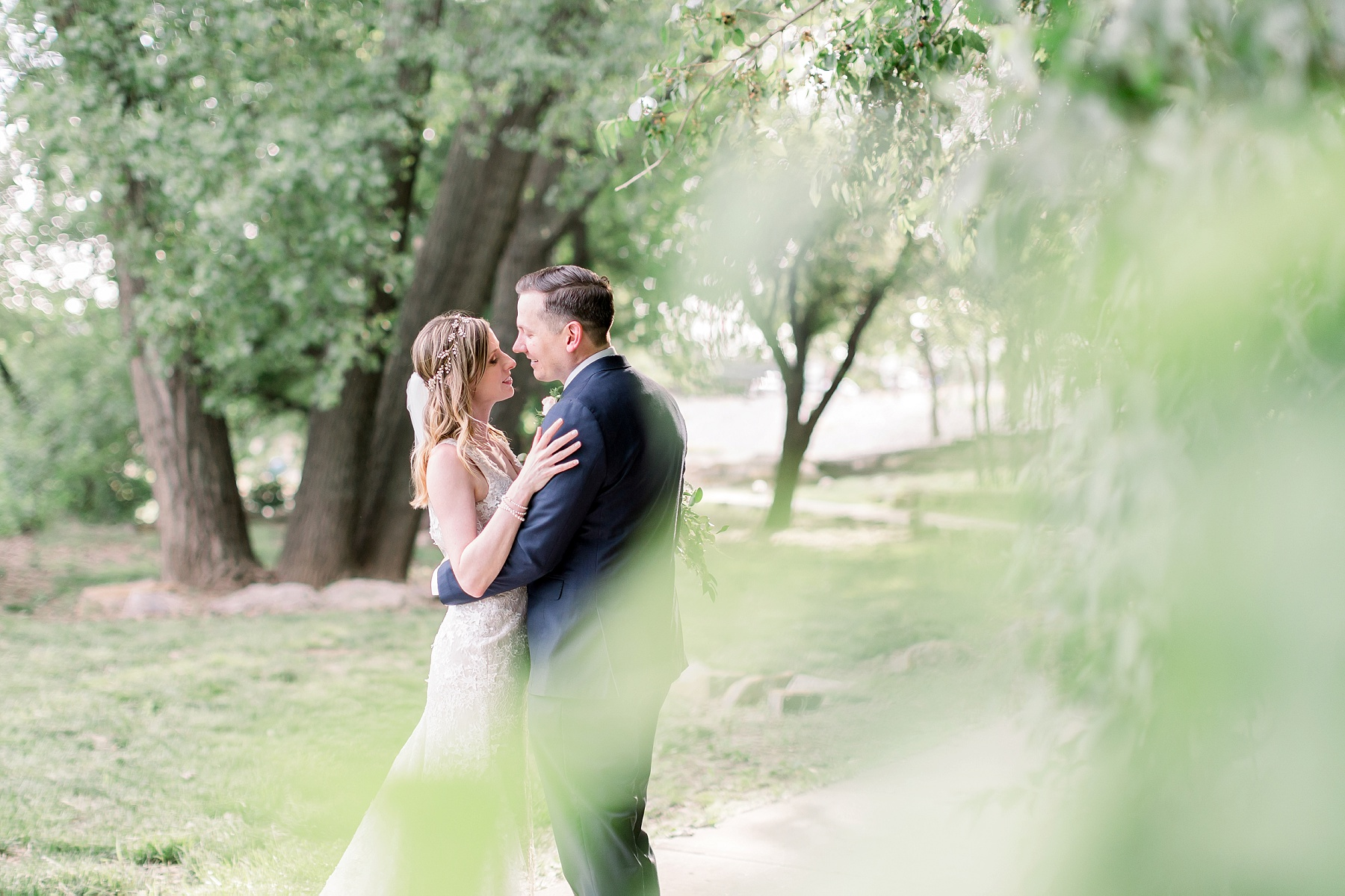 adventurous-authentic-wedding-engagement-photography-kansas-city-elizabeth-ladean-photo_5430.jpg