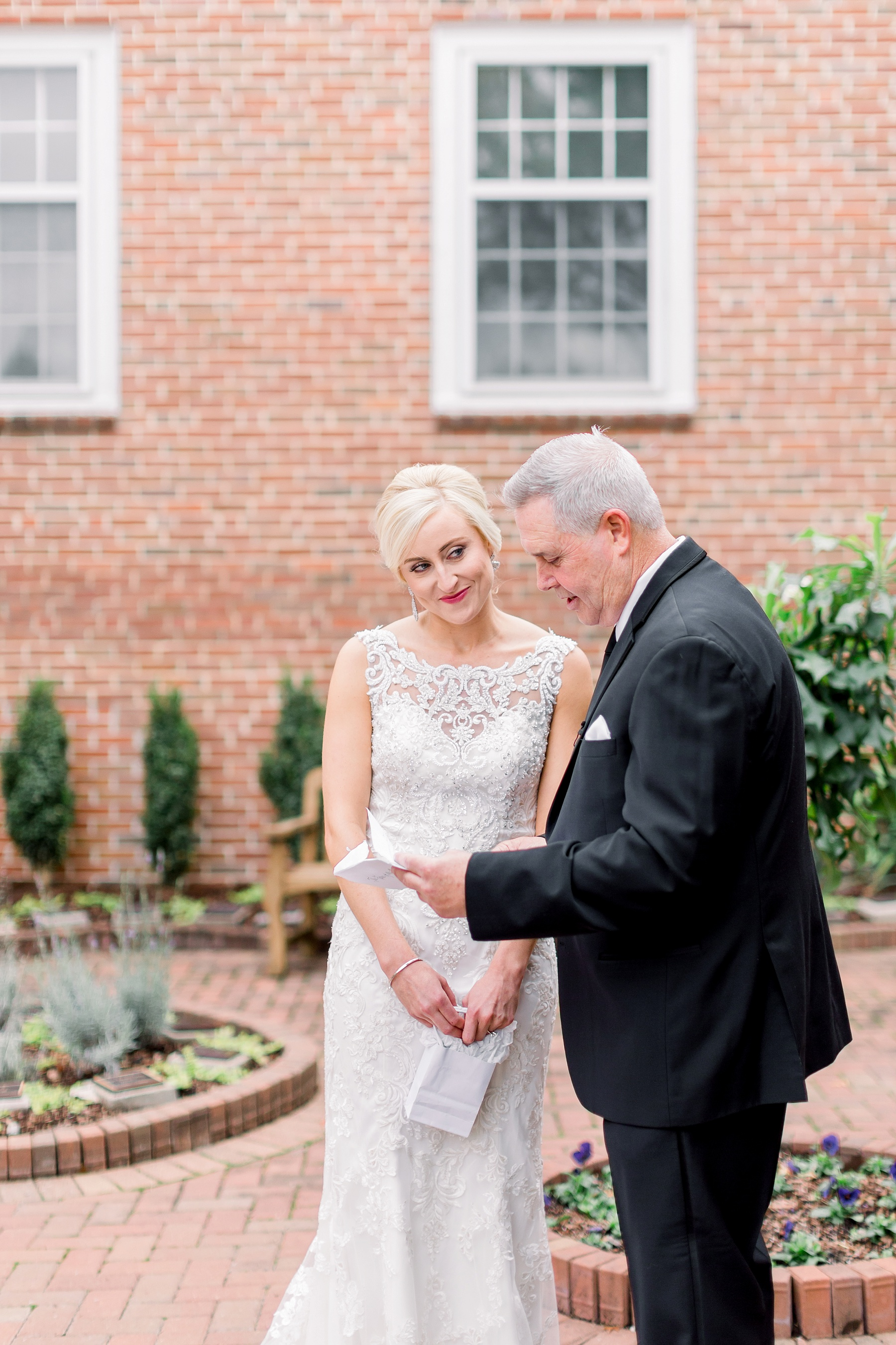 adventurous-authentic-wedding-engagement-photography-kansas-city-elizabeth-ladean-photo_5462.jpg