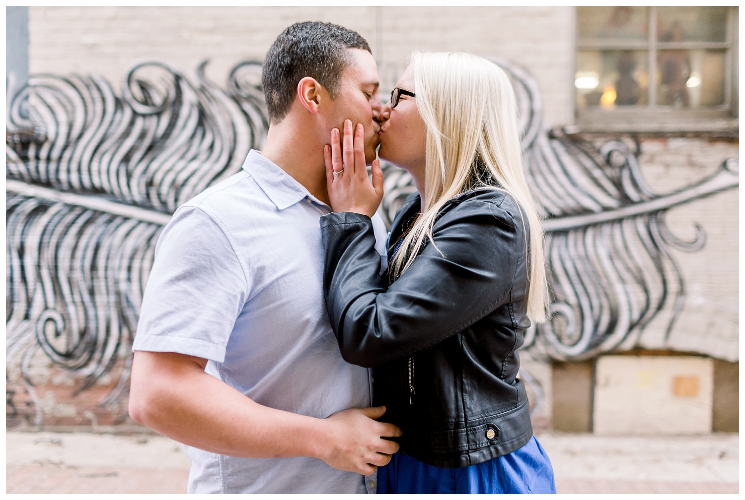 Downtown-Kansas-City-Engagement-Photos-Elizabeth-Ladean-Photography_K+R0324--_6832.jpg