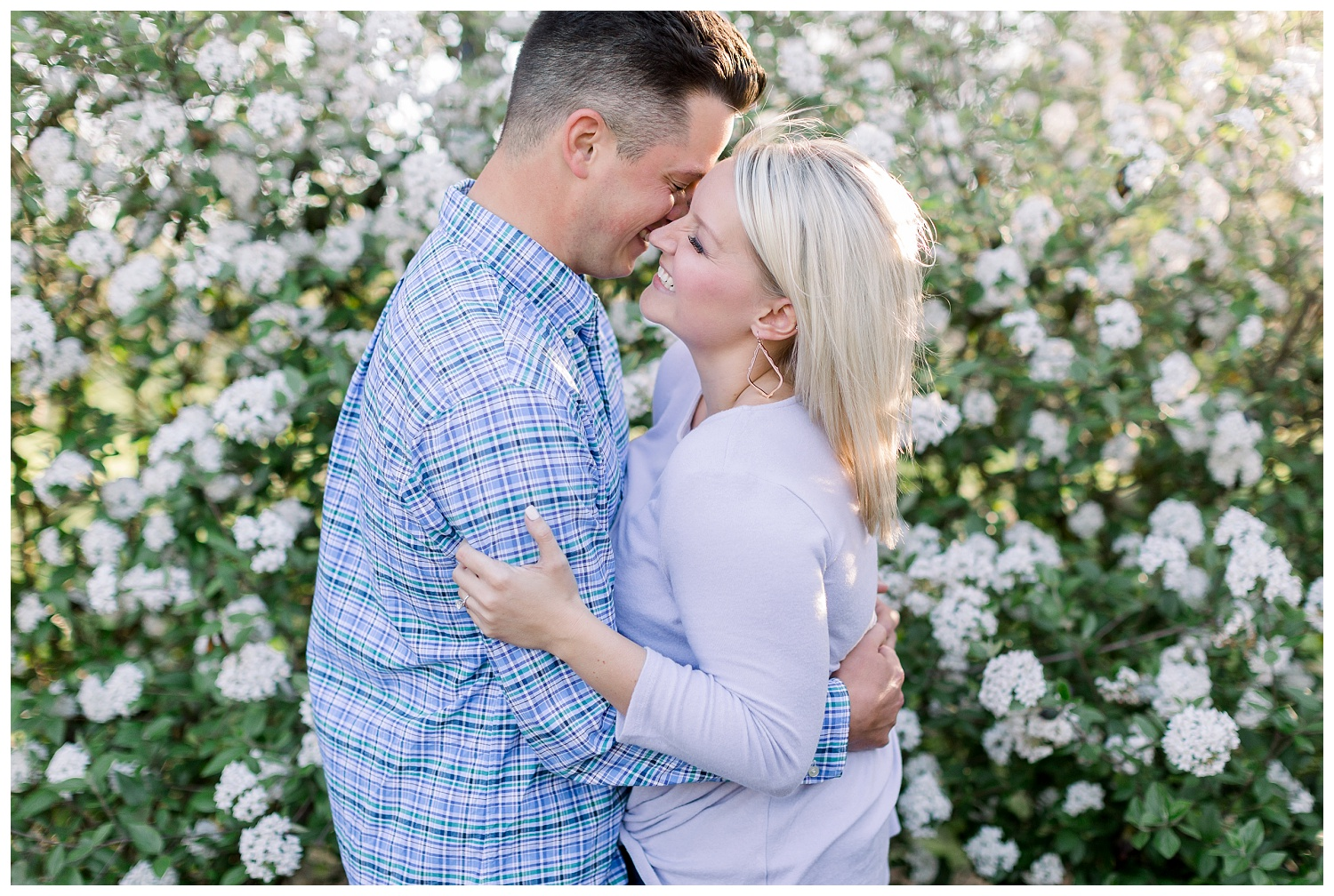 Spring engagement session with flowers
