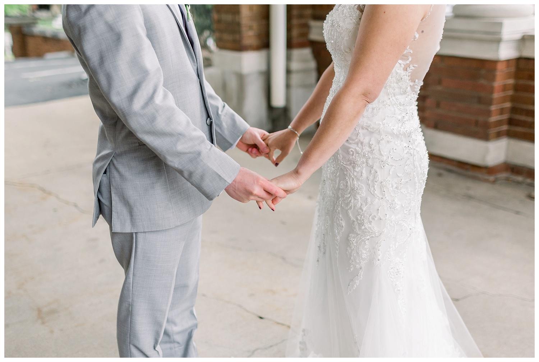Downtown-KC-Wedding-Photos-A+A0503-Elizabeth-Ladean-Photography_photo-_7471.jpg