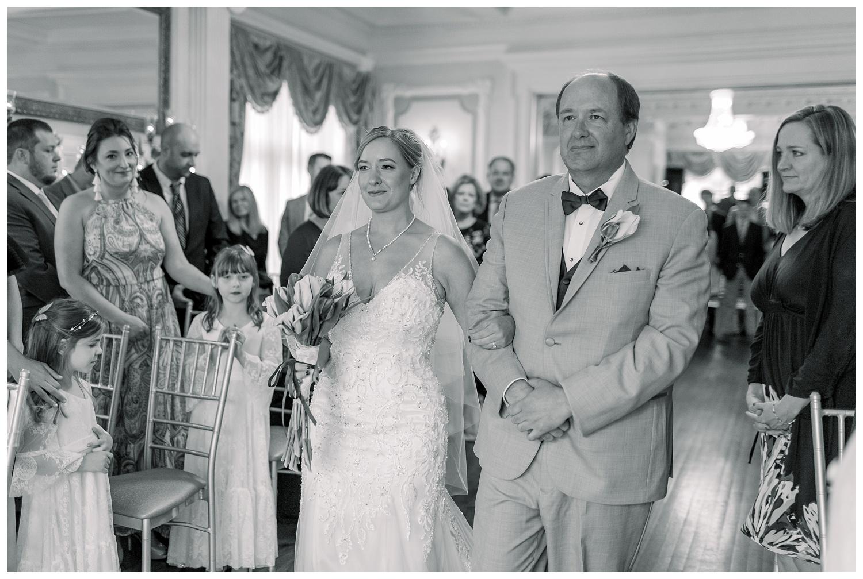 Downtown-KC-Wedding-Photos-A+A0503-Elizabeth-Ladean-Photography_photo-_7484.jpg