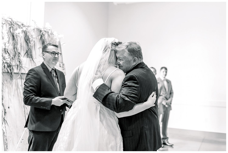 Kansas-Wedding-Photographer-Johnson-County-Arts-Heritage-K+R-05.18.19-Elizabeth-Ladean-Photography_photo-_7795.jpg