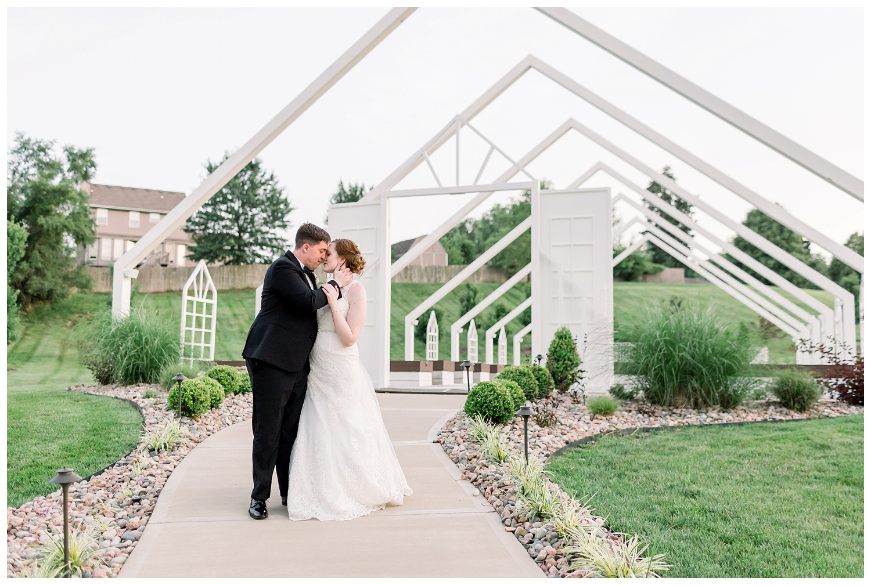 Pavilion-Event-Space-KC-Wedding-Photography-E+E-0628-Elizabeth-Ladean-Photography_photo-_8908.jpg