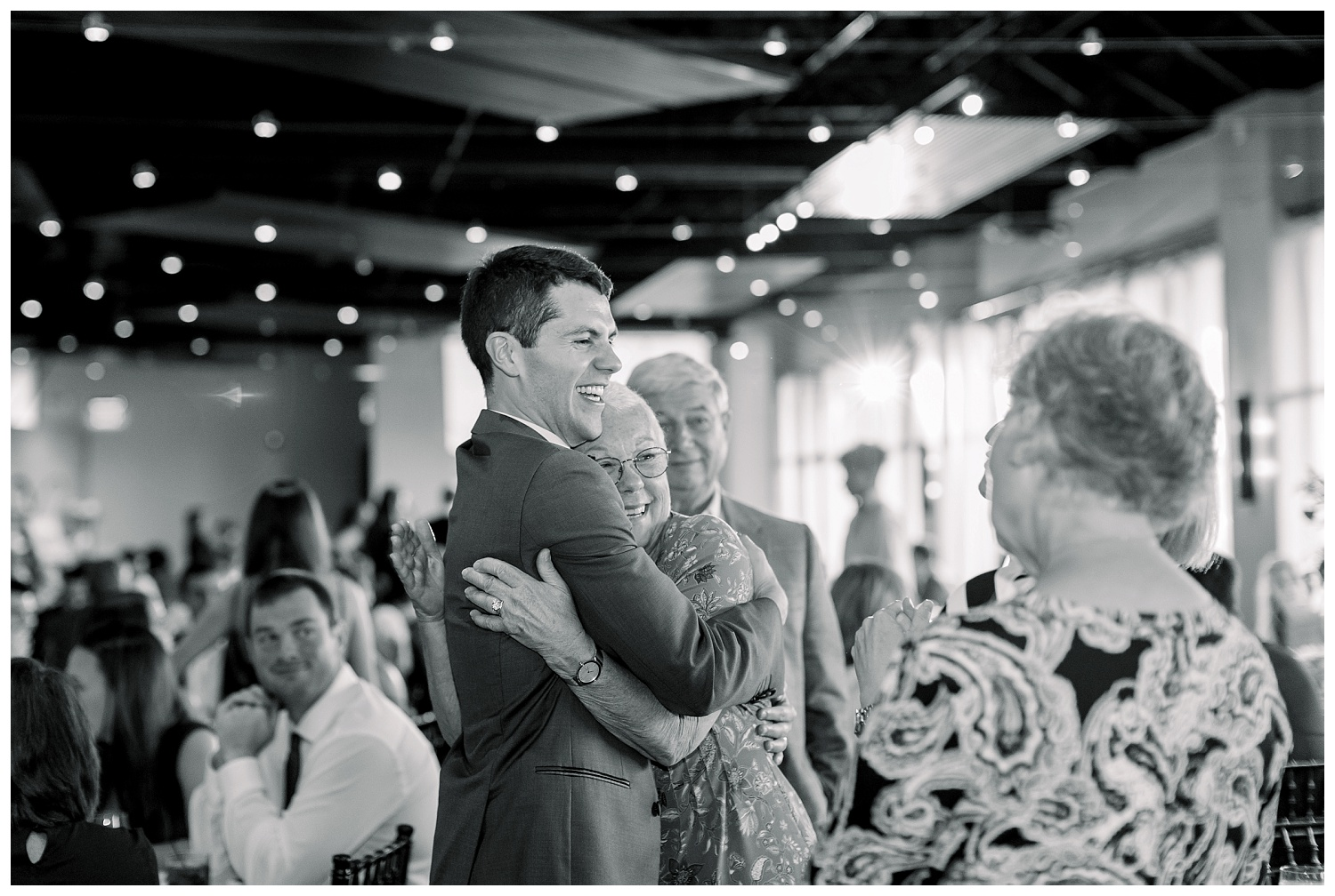 KC-Wedding-Photographer-Venue-Leawood-B+A-0803-Elizabeth-Ladean-Photography_photo_9255.jpg
