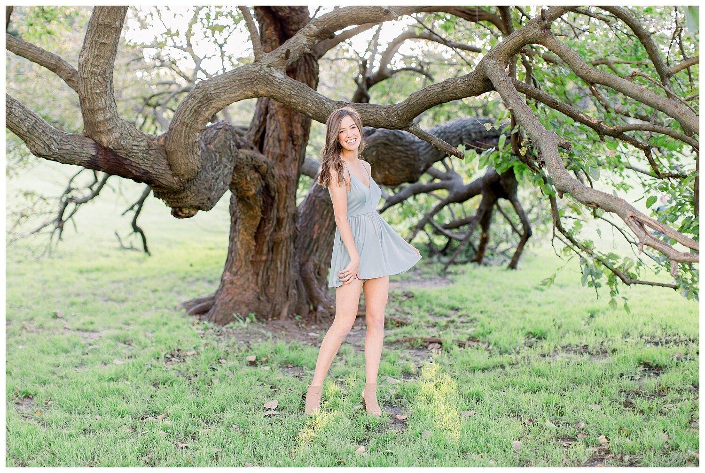 Kansas-City-senior-photographer-Mary-10-2019-Elizabeth-Ladean-Photography-Hawthorne-photo_0876.jpg