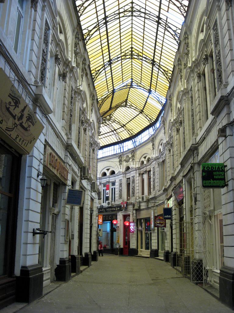Bucharest02.jpg