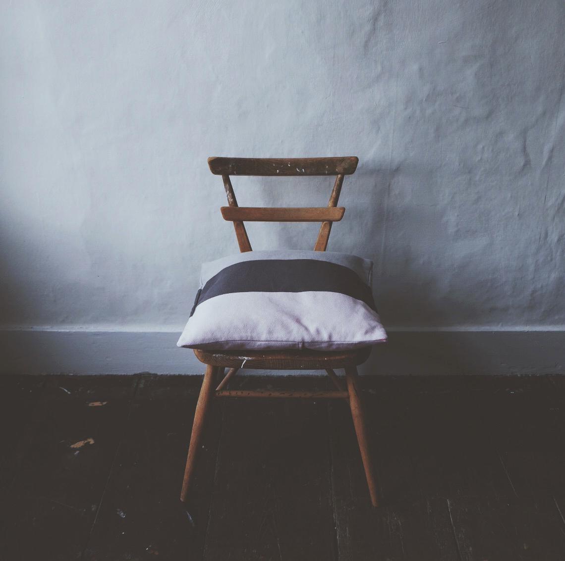 ali_dover_boheme_cushion_3.jpg