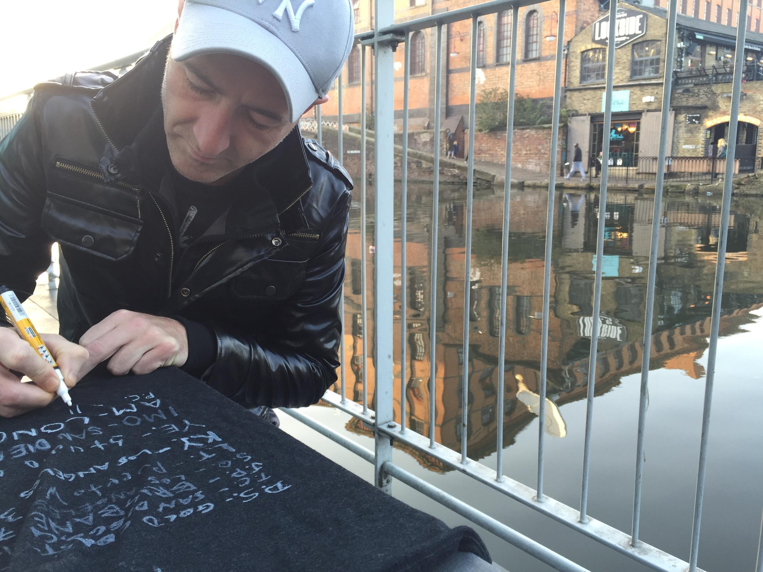 Patric signs the DG shirt at Camden Lock