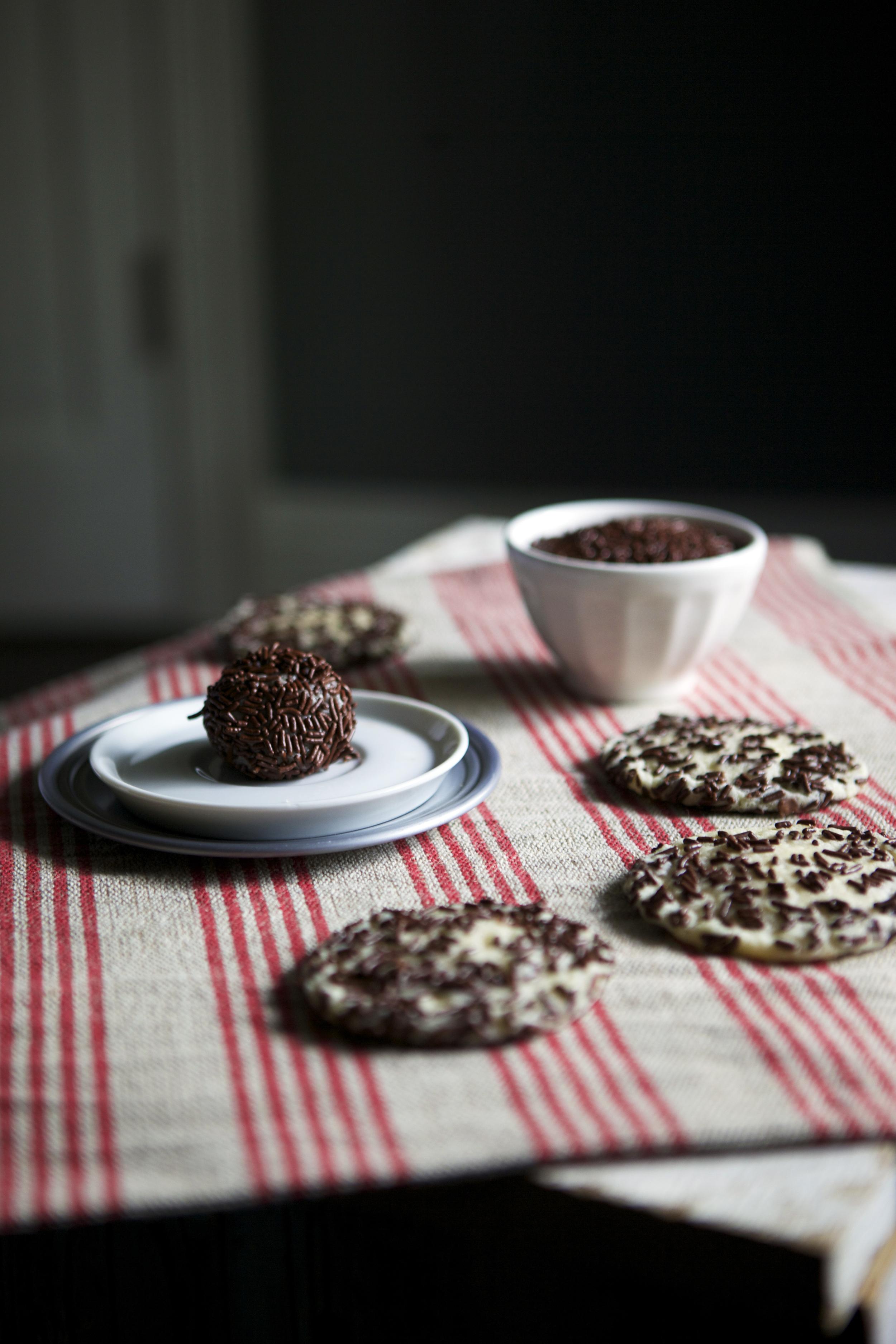 Dutch Hagelslag Cookies // Glazed & Confused