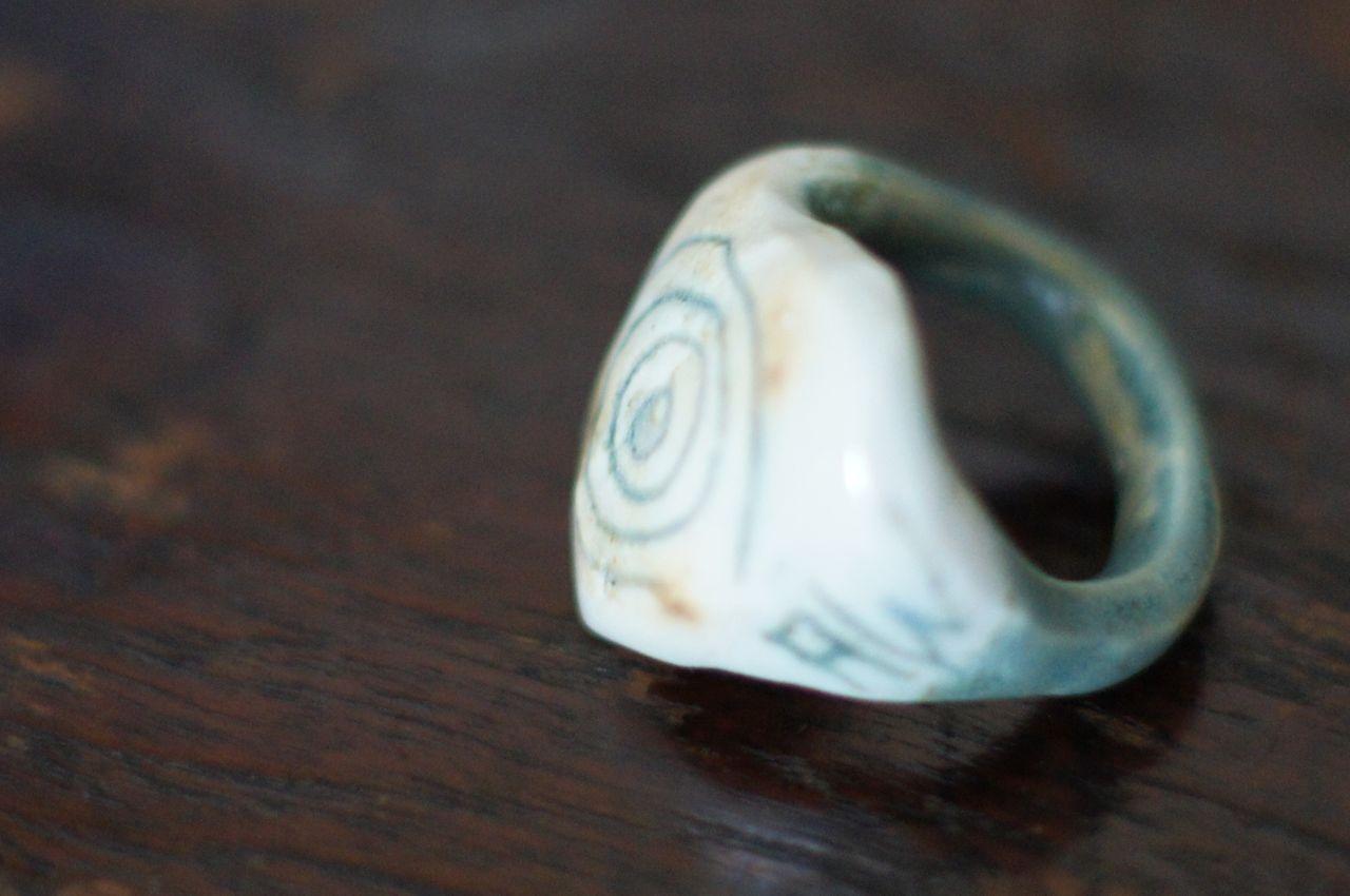 Ring sculpted in porcelain, 2011