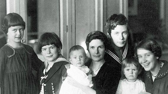 Katia Mann et ses enfants,  Klaus, Erika, Golo, Monika, Michael et Elisabeth, 1918