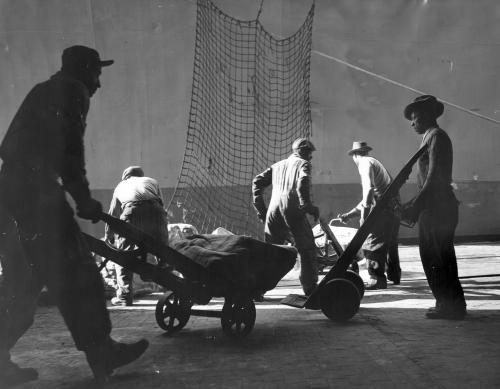 Aubrey Bodine . Port de Baltimore, 1951