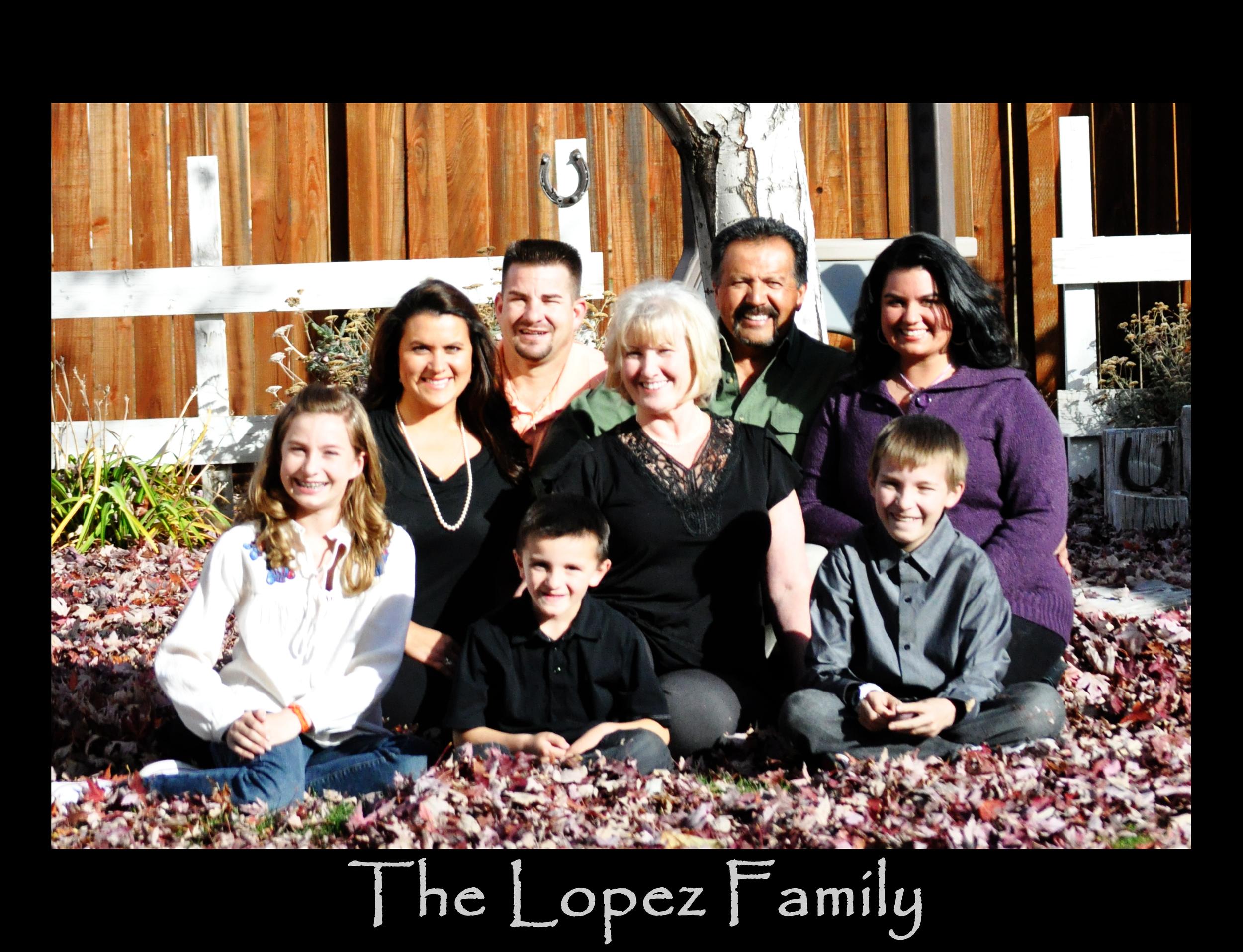 DSC_0146_family in leaves_The Lopez Family2.jpg