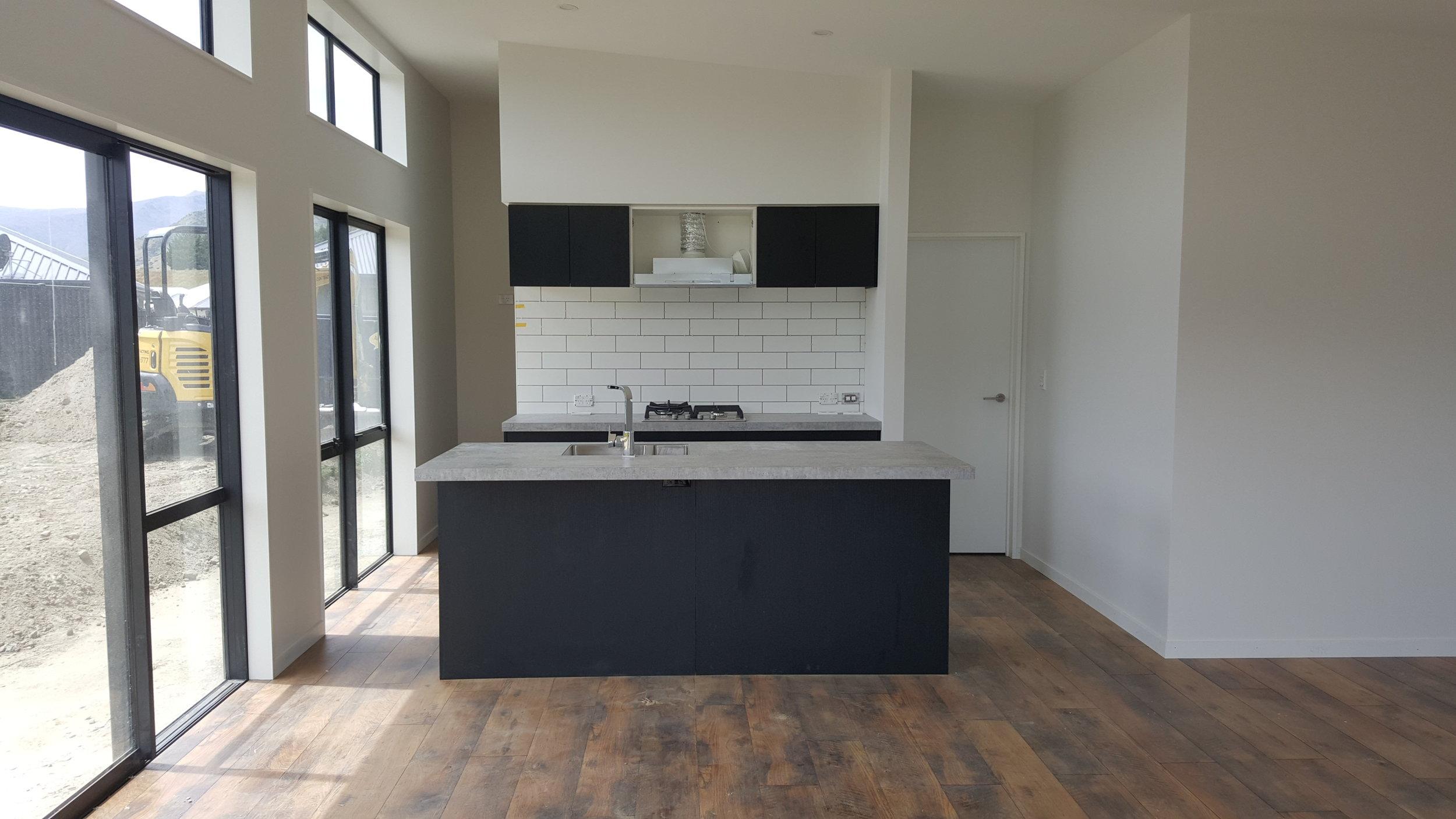 Queenstown+kitchen+in+black+oreily+design.jpg