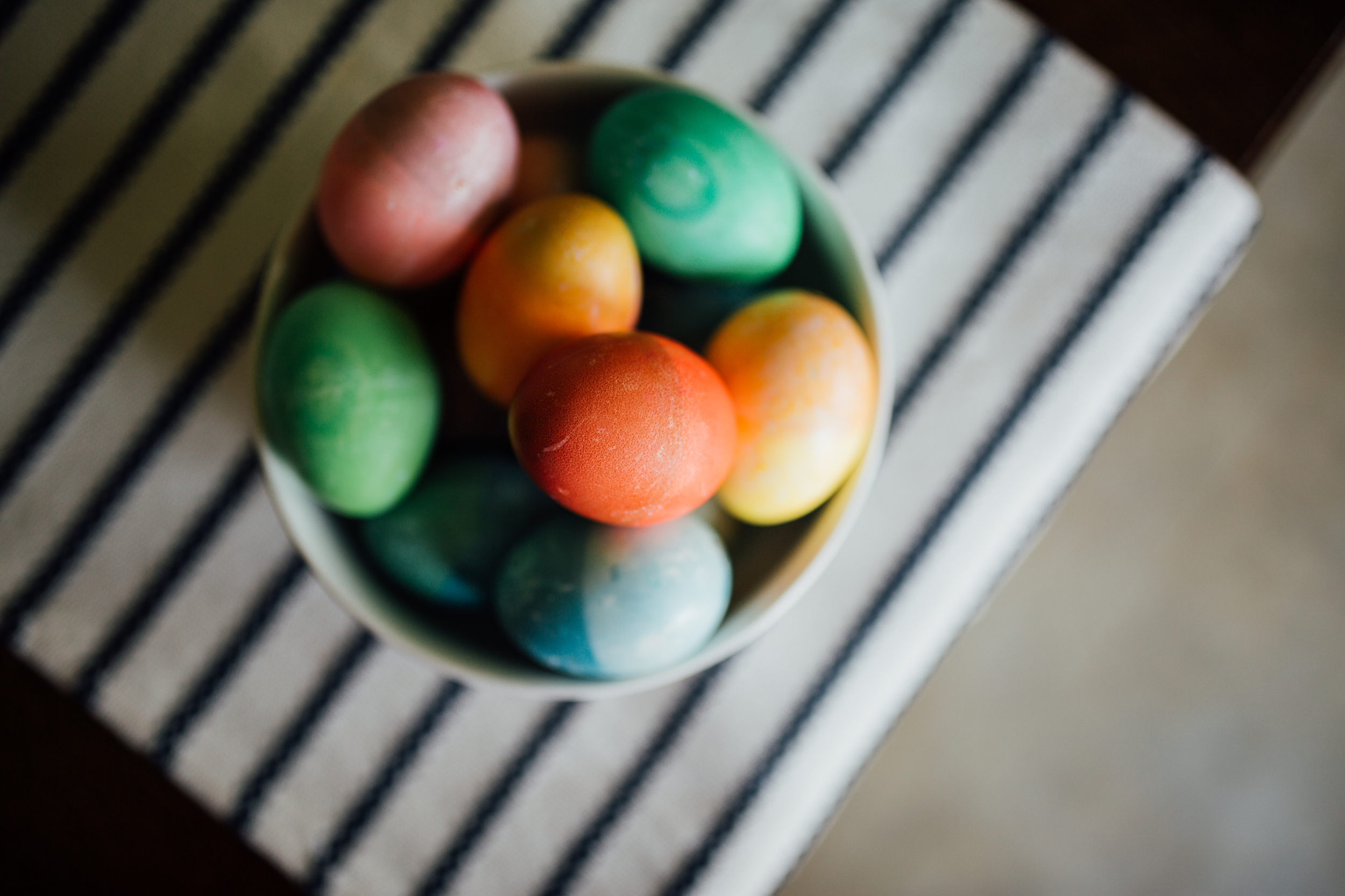 Carrie Hall Photography || Dip Dyed Easter Eggs